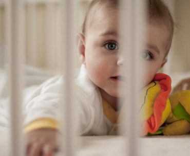 Η πρόωρη εκπαίδευση ύπνου του μωρού έχει κινδύνους