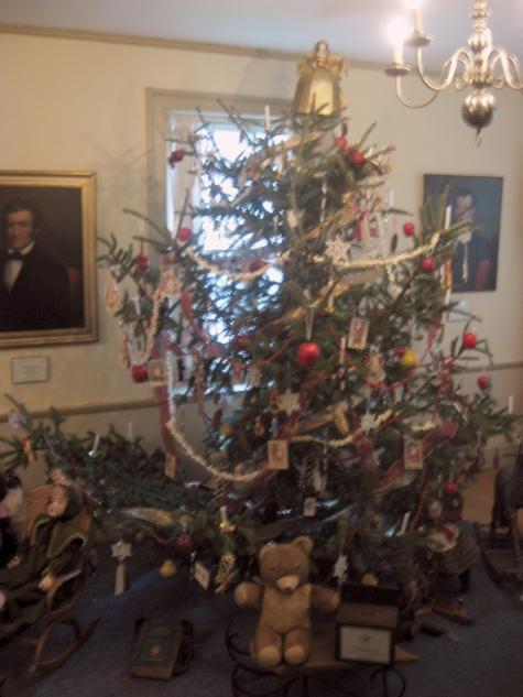 Yesteryear christmas tree