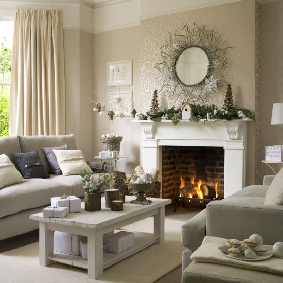 living-room--Christmas--woodland--Ideal-Home