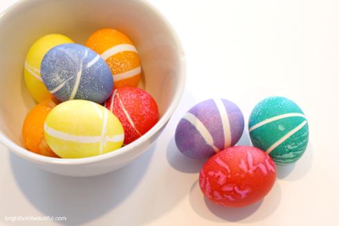 Πασχαλινά αυγά με σχέδια από λαστιχάκια3