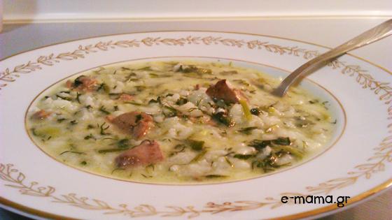 Μαγειρίτσα με κοτόπουλο - συνταγή της μαμάς