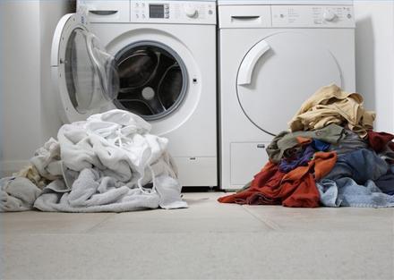 κίνδυνοι απο τις χαμηλές θερμοκρασίες στο πλυντήριο χρωματιστά λευκά