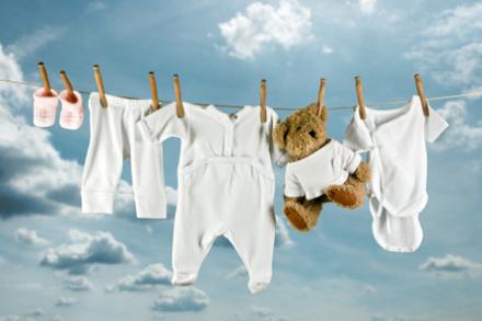 παιδικά ρούχα στο πλυντήριο