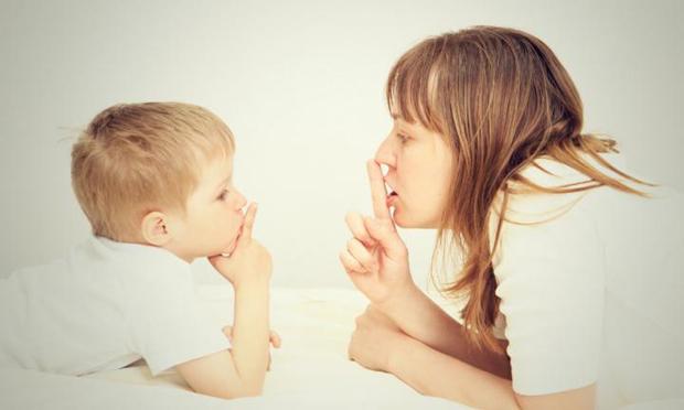 15 ψέματα που λέμε στα παιδιά μας
