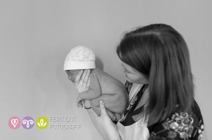 Εκπληκτικές φωτογραφίες δείχνουν πως χωρούσε το μωρό στη μήτρα 2