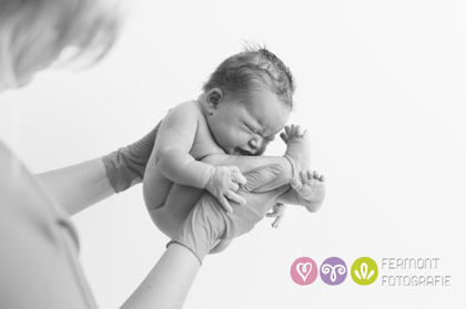 Εκπληκτικές φωτογραφίες δείχνουν πως χωρούσε το μωρό στη μήτρα 9