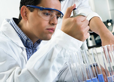 science-classes-are-capped-at-16-students-so-that-they-may-perform-practical-experiments-every-class