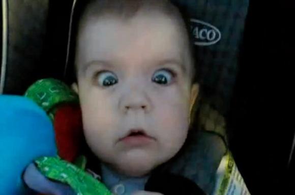 Η περίεργη αντίδραση των μωρών μέσα σε τούνελ