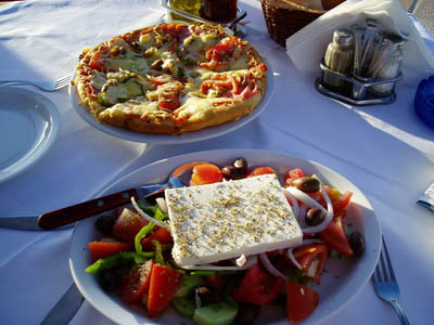 greek xoriatiki salad