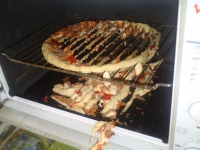 η μαμά μου μαγειρεύει χειρότερα από τη δική σου pizza 1