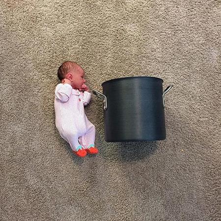 Baby-vs-pot