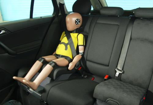 Πετάξτε τα παιδικά καθίσματα αυτοκινήτου booster!
