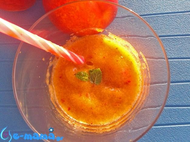 Γρανίτα ροδάκινο με αρωματικά φύλλα