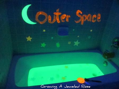 DIY: Μπογιά που φωσφορίζει στο σκοτάδι για παιδικά δωμάτια