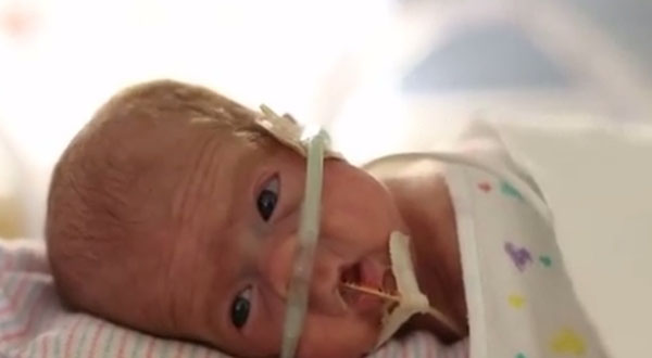 moms-birthday-video-shows-preemies-journey-in-nicu