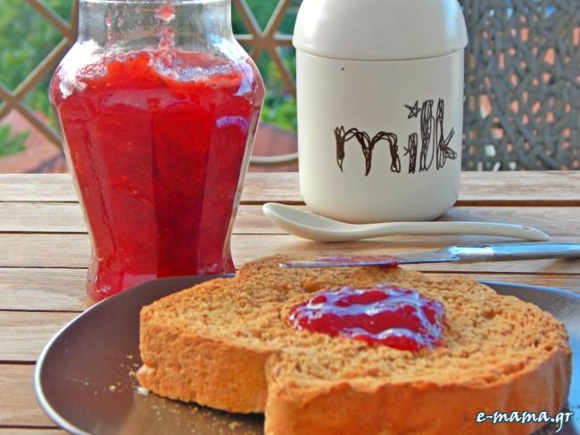 Μαρμελάδα φράουλα με βανίλια και λίγο βράσιμο