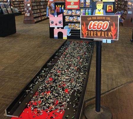 Οι αντι-Lego παντόφλες!