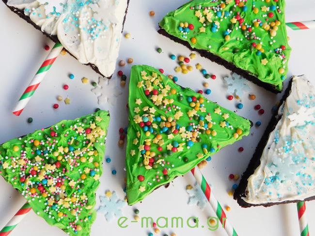 Χριστουγεννιάτικα δεντράκια από σοκολατένιο κέικ