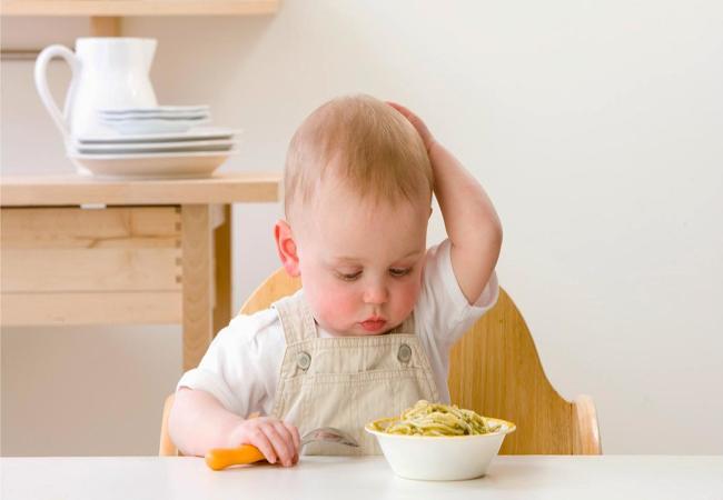 5 τροφές που πρέπει να αποφεύγονται πριν τα 2 έτη