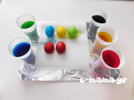 Βάφουμε πασχαλινά αυγά με χρώματα ζαχαροπλαστικής 3