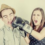 9 επικίνδυνες φράσεις μιας γυναίκας σε έναν καυγά