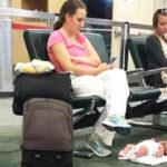 Η αλήθεια πίσω από την viral φωτογραφία της ανεύθυνης μητέρας