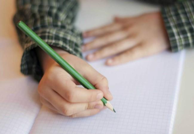 Πώς να μεγαλώσουμε παιδιά που αγαπούν το γράψιμο