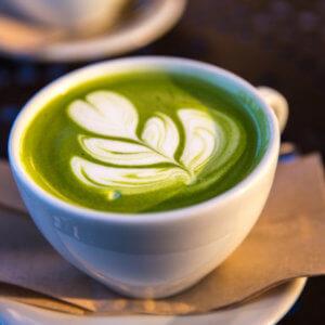Τσάι μάτσα, η πράσινη σκόνη που έγινε trend