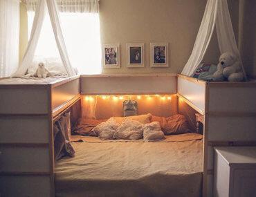 Η πανέξυπνη co-sleeping κατασκευή μιας οικογένειας με 5 παιδιά