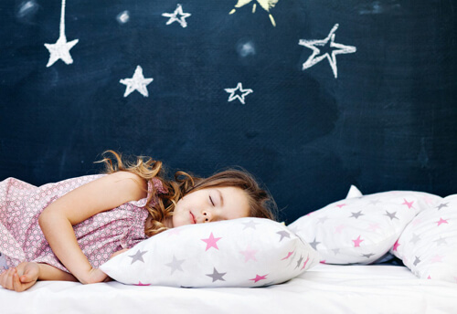 Όταν τα παιδιά πηγαίνουν νωρίς για ύπνο η μαμά είναι πιο ευτυχισμένη