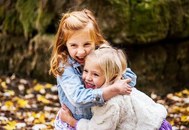 5 λόγοι που τα παιδιά χρειάζονται τα ξαδέρφια τους
