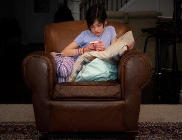 Μπαμπάς εφηύρε app για να κλειδώνει το κινητό των παιδιών αν δεν απαντήσουν
