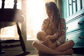 Πως να εξηγήσουμε στα παιδιά τι είναι ο θηλασμός;
