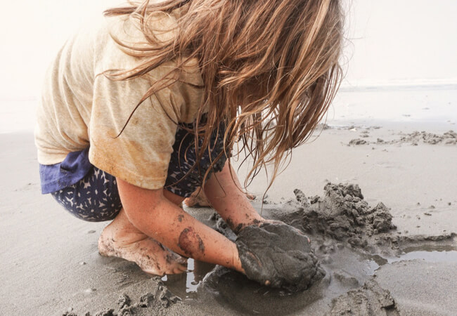 Αφήστε τα παιδιά να λερωθούν –Κάνει καλό στην υγεία τους