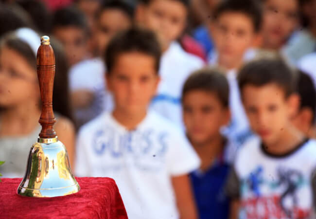 Κουδούνι στις 9 από τη νέα σχολική χρονιά – Όφελος για τα παιδιά
