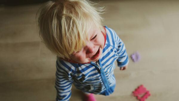 Είμαι 2 ετών. Δεν είμαι κακός. Είμαι απογοητευμένος.