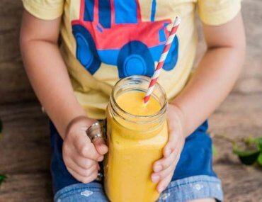 Χυμοί και αλεσμένα φρούτα για τα παιδιά: Καλύτερα όχι