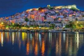 10+1 προορισμοί της Ελλάδας χωρίς πλοίο ή αεροπλάνο