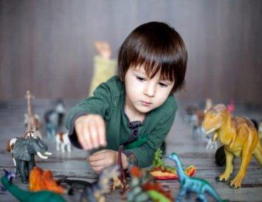 «Τρελαίνεται για δεινόσαυρους!» Ενθάρρυνε την εμμονή του μικρού σου. Κάνει καλό - Έρευνα
