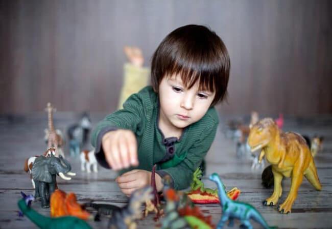 «Τρελαίνεται για δεινόσαυρους!» Ενθάρρυνε την εμμονή του μικρού σου-Κάνει καλό