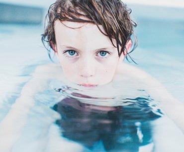 Ξηρός πνιγμός: όσα πρέπει να ξέρουν οι γονείς για να καταλαβαίνουν και να προλαβαίνουν τον κίνδυνο