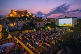 Θερινά σινεμά: με αγιόκλημα και γιασεμιά