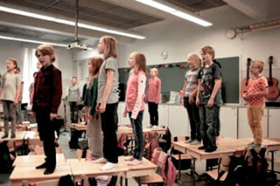 «Ή προετοιμάζουμε τα παιδιά για τη ζωή ή για τις εξετάσεις. Επιλέγουμε το πρώτο.» - Το Φιλανδικό σύστημα εκπαίδευσης