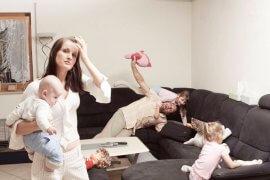 Οι σύζυγοι αγχώνουν περισσότερο τις μαμάδες από ότι τα παιδιά