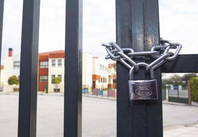 Υπουργός Παιδείας για την απόφαση για κλειστά σχολεία λόγω κορονοϊού