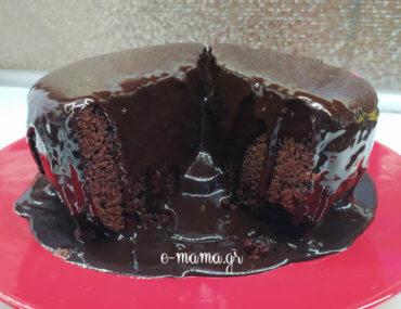 Ζουμερή σοκολατόπιτα χωρίς φούρνο – με θεϊκό γλάσο!