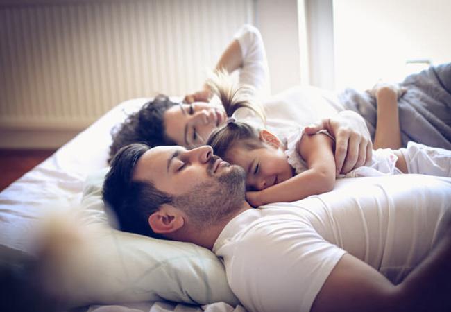 «Είναι κακή συνήθεια που έμαθαν να κοιμούνται μαζί σας.» - Όχι, ευχαριστώ