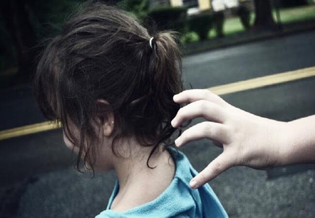 Κοριτσάκι σώθηκε χάρη στο κόλπο της μαμάς της