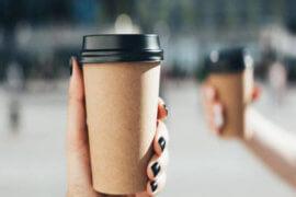 Τέλος στα πλαστικά ποτήρια του καφέ