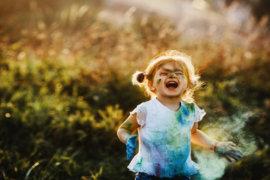 Τα παιδιά είναι σαν υγρό τσιμέντο. Ότι πέφτει πάνω τους αφήνει αποτύπωμα».